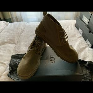 NWT UGG NEUMEL UNLINED men's shoes.  Size 11.